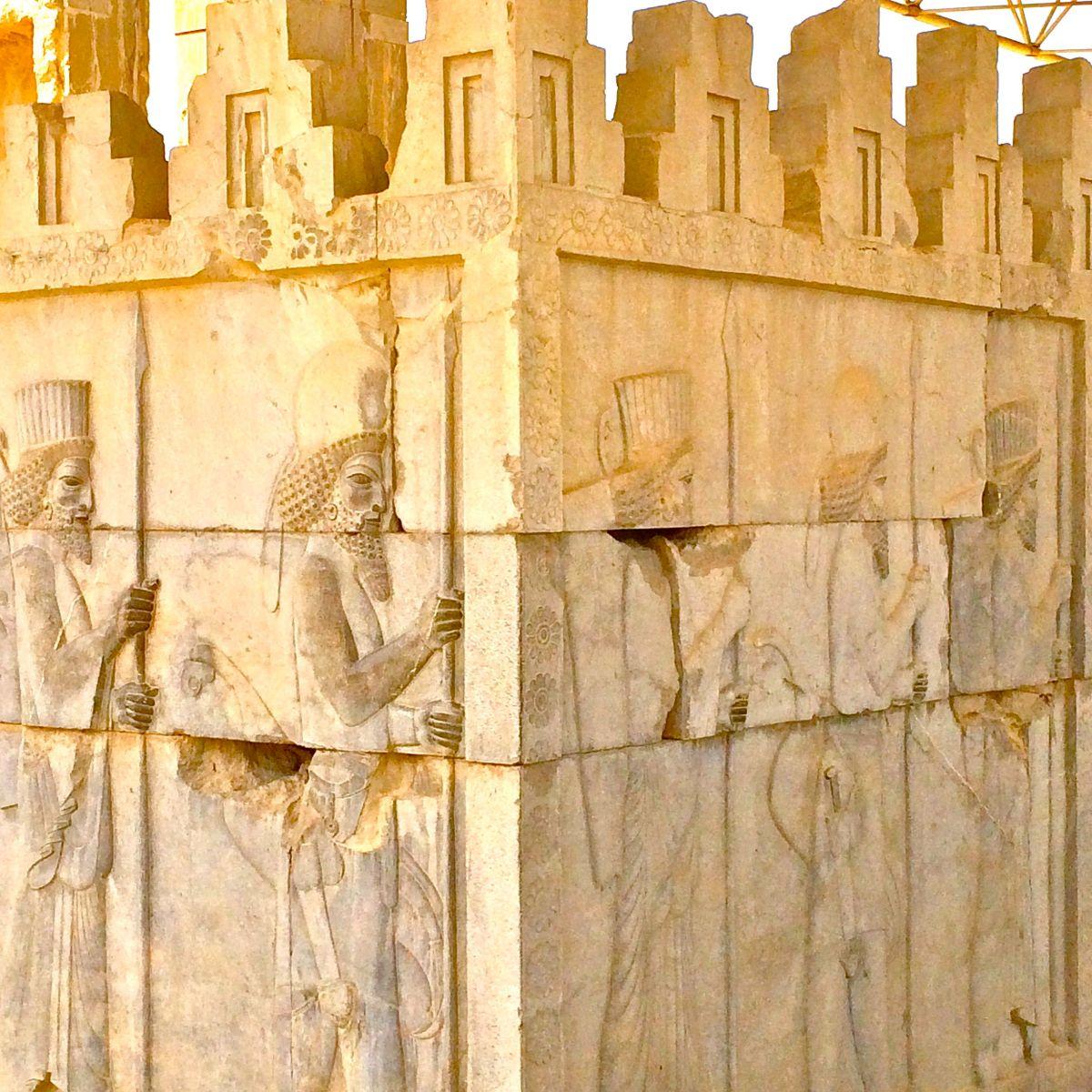 Alessandro Magno, Dioniso e l'incendio di Persepolis